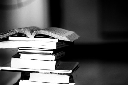 books-2337525_640