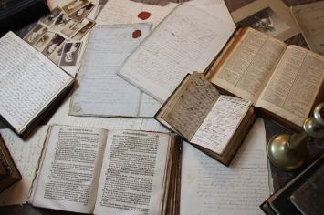 old-books-1941274_640
